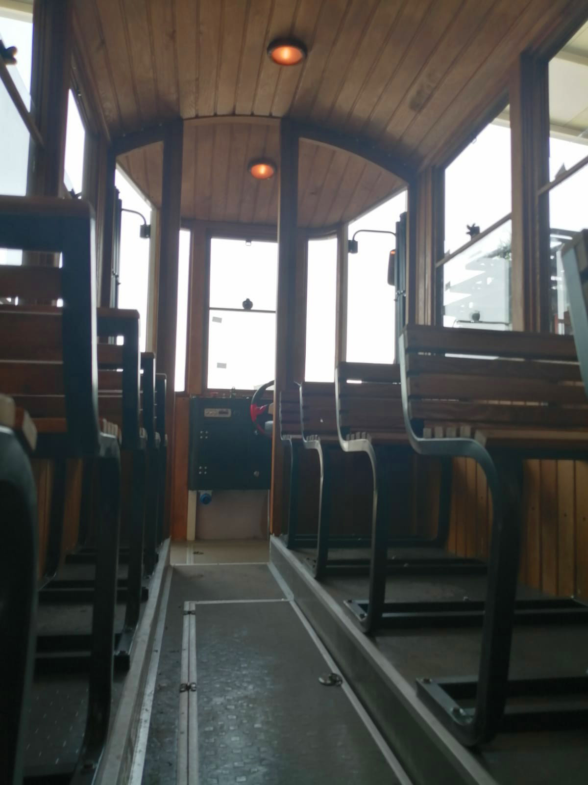 trackless electric tram