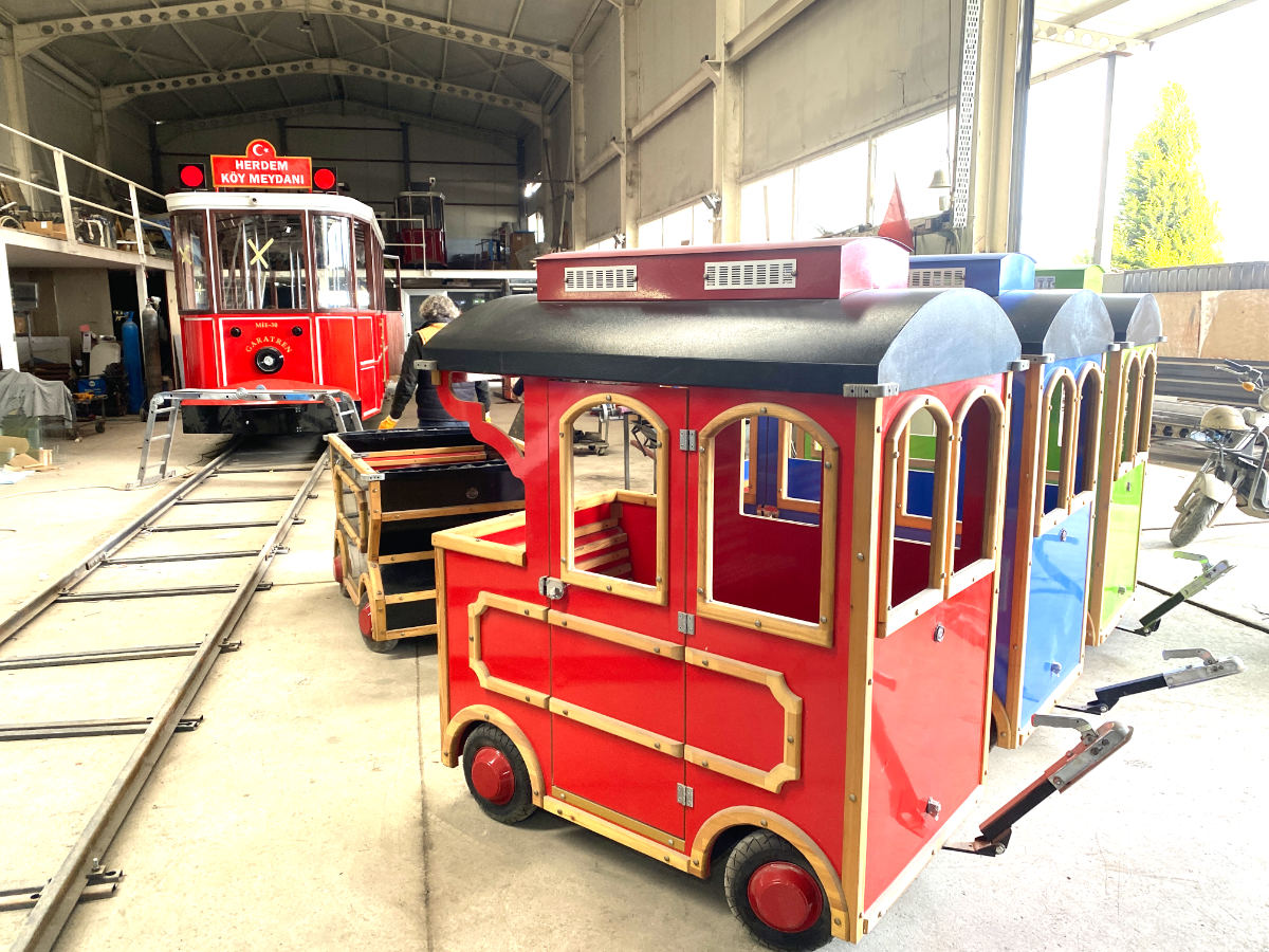 Allame trackless train for sale